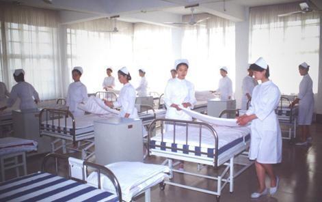 护理学校招生 漯河卫生学校(郑州经开区)一年多少钱