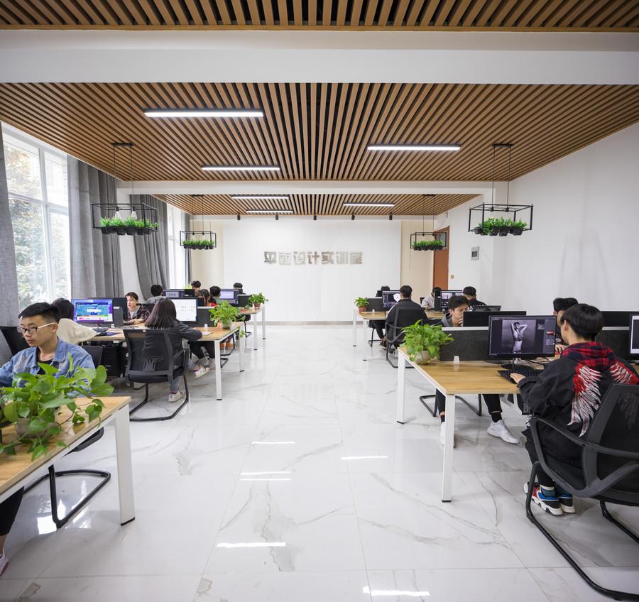 郑州地区都有哪些就业前景好的中专学校